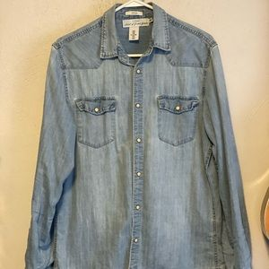Classic Fitted snap button Jean Shirt